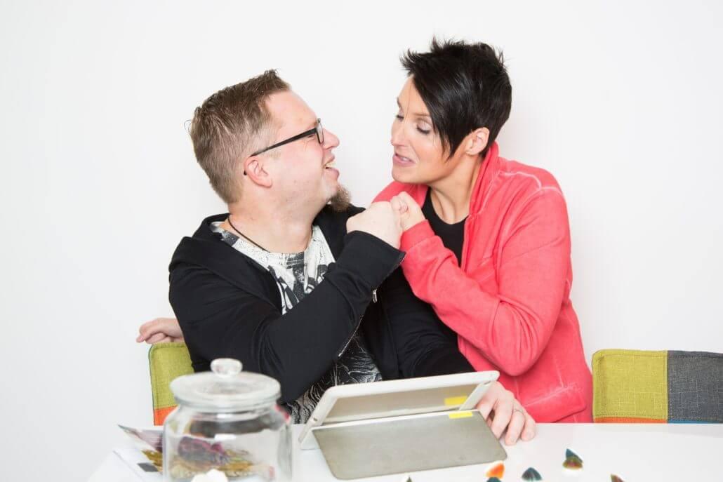 Autor Daniel Juhr mit seiner Frau - Bei uns im Interview über seinen Traumjob